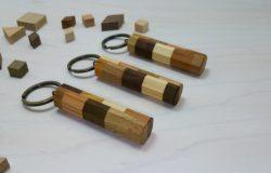 寄木のキーホルダー